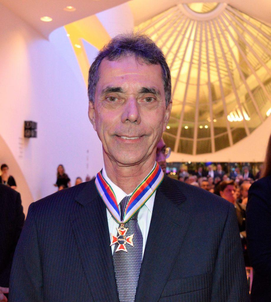 A diretoria do Sindicato parabeniza o seu tesoureiro Claudio Goulart pela homenagem do TRT-RJ